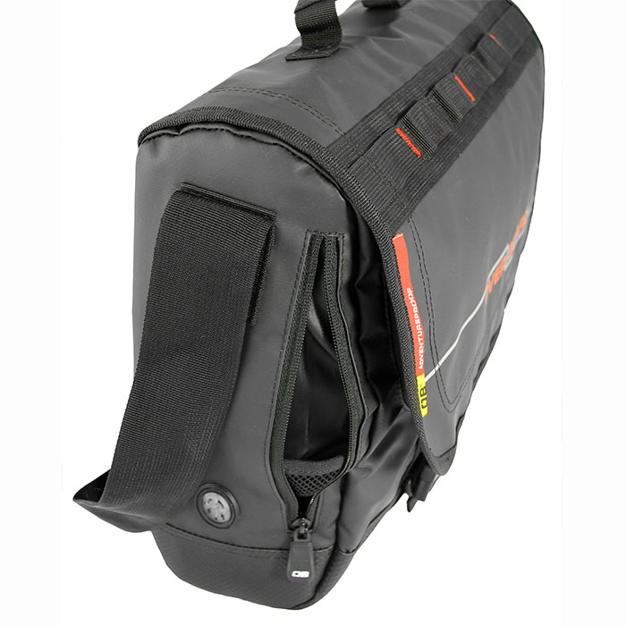 Водонепроницаемая сумка OverBoard OB1079BLK - Waterproof Adventure Messenger Bag. Фото 4