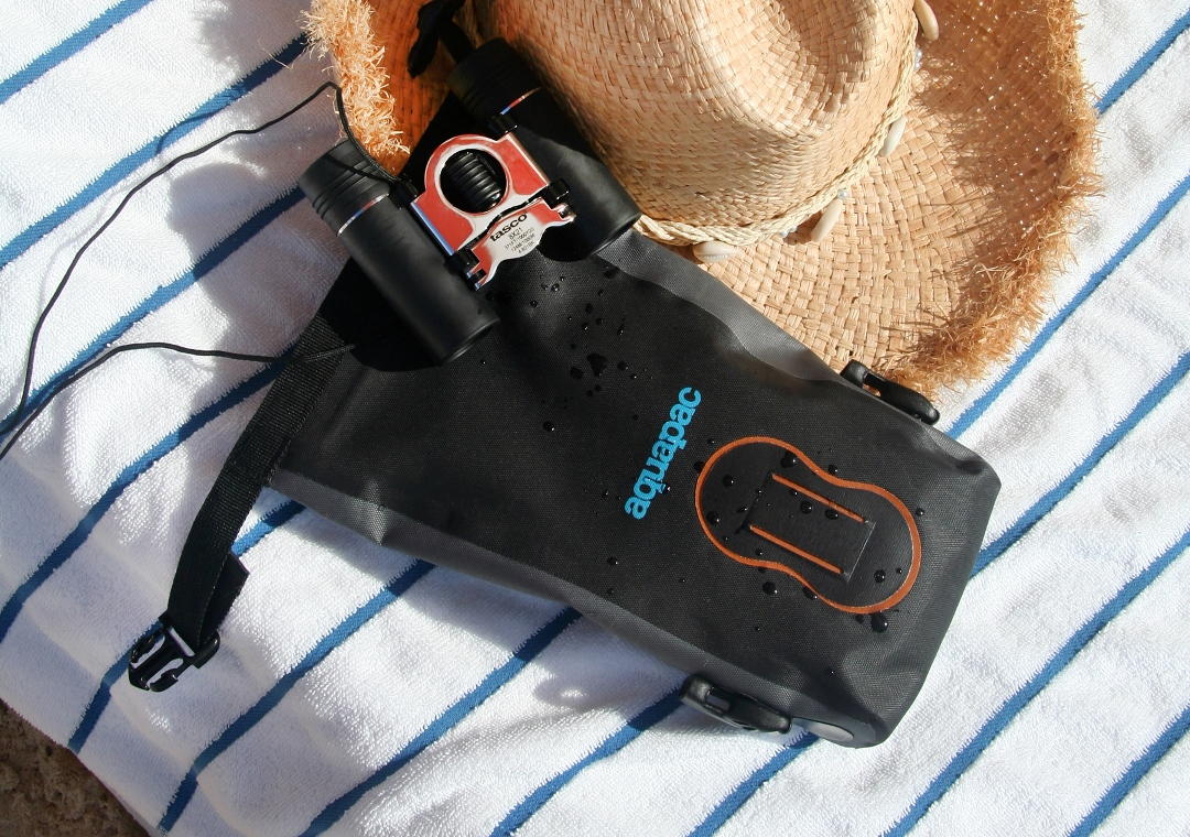 L_020_Seaside_Binoculars_(Jodie)
